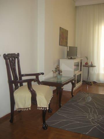 City center, quiet and sunny - Tessalónica - Apartamento