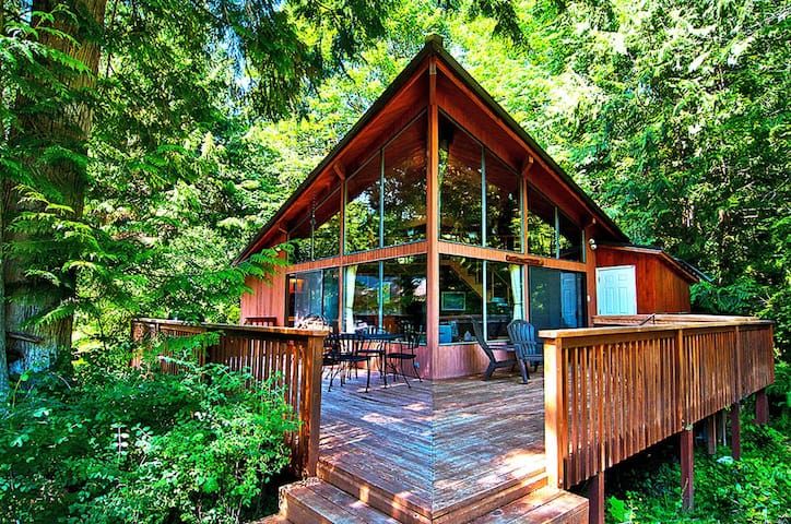 Serene Riverfront Paradise w Hot Tub & Mountain Views! Pet Friendly!