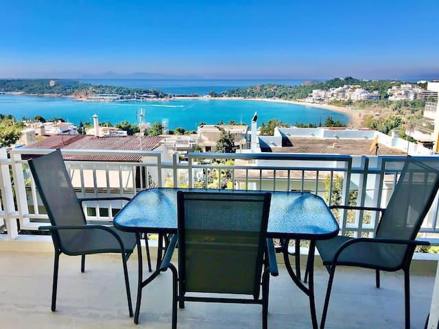 Vouliagmeni Luxry Home Rental - Seaside View