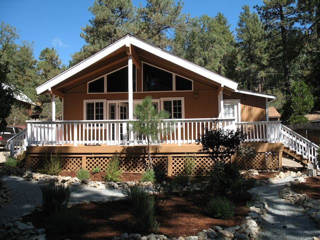 Updated and modern house - Idyllwild-Pine Cove - House