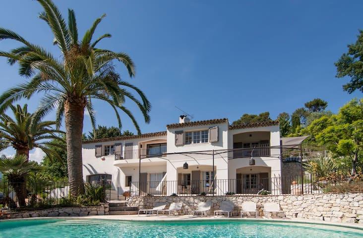 luxueuse maison, calme, authentique - Saint-Paul-de-Vence - House