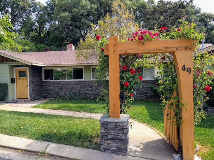 Pet Friendly Home in California Gold Country