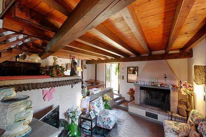 Casa d'epoca incantevole - Aci Bonaccorsi - House
