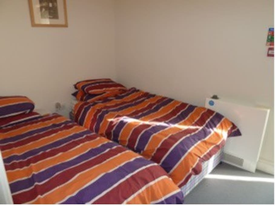 Twin Bed Room for Parents, Carers or Teachers