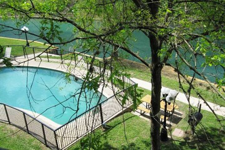 Comal River Retreat - New Braunfels - Apartment