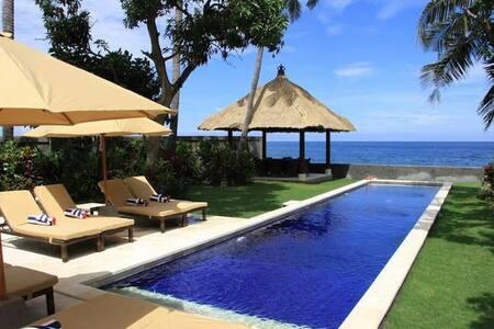 Oceanfront Villa in the North of Bali - Sawan