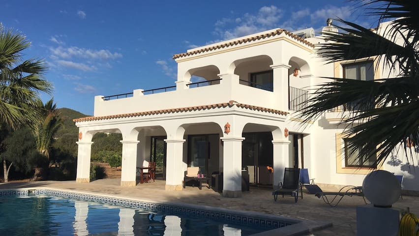 Casa Amber ) April Discount ( - Santa Gertrudis de Fruitera - House