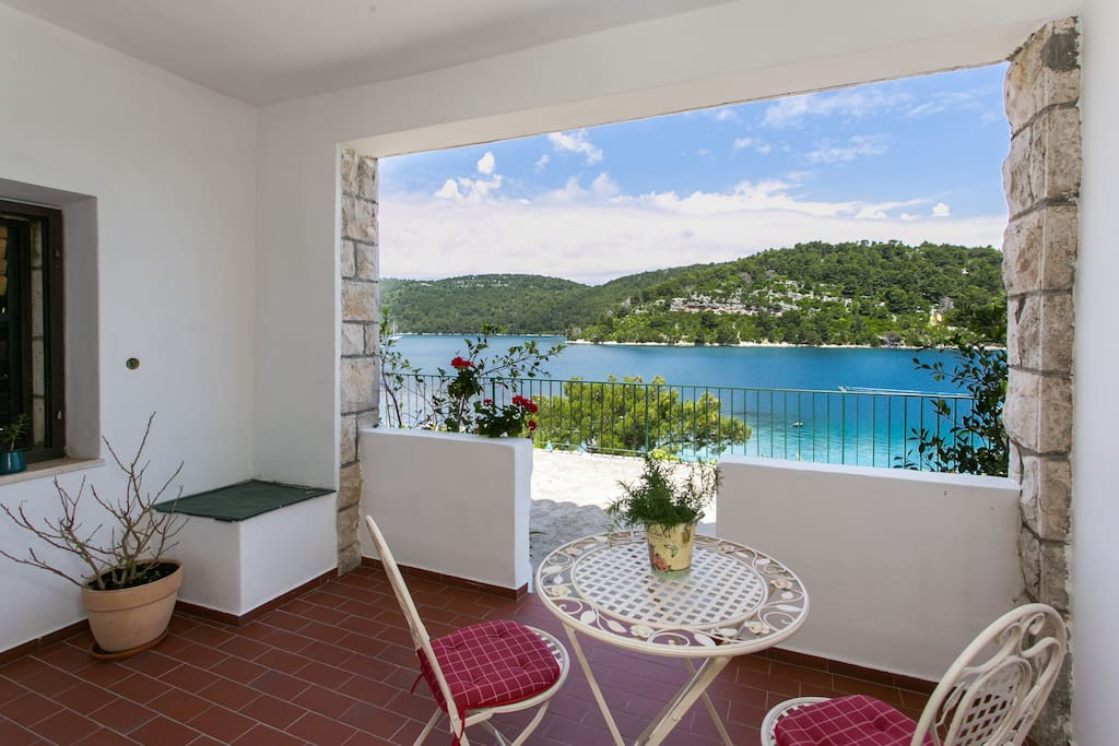 Private furnished terrace with sea view..