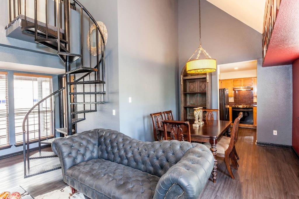 Downtown Rock Royalty Hotel Suite Apartments For Rent In