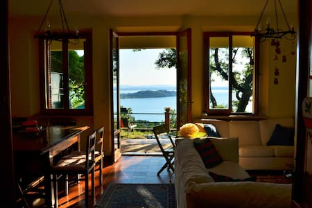 Villa rurale con vista fantastica - Magione