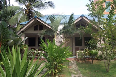 AIR-CONDITIONING, ONE KING BED, ROOM ONLY, KRABI - Mueang Krabi - Pension