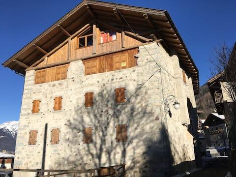 Appartamento tra i parchi Adamello Brenta