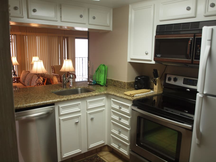 Kitchen with full sized appliances & all you need