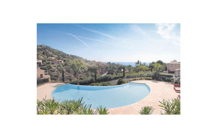 Holiday apartment with 2 bedrooms on 73m² in Theoule sur Mer