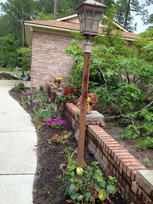 A welcoming path to the front door