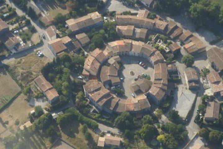 Le Bonheur - rustic village house - La Force - Erdhaus