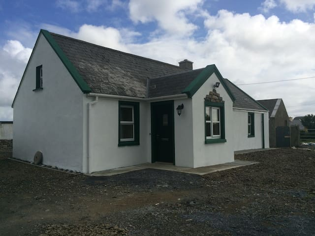 Cosy Holiday home for let - Mullagh - Haus