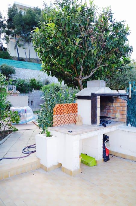 Un havre de paix terrasse et jardin apartments for rent in carry le rouet paca france - Nettoyage terrasse jardin le havre ...