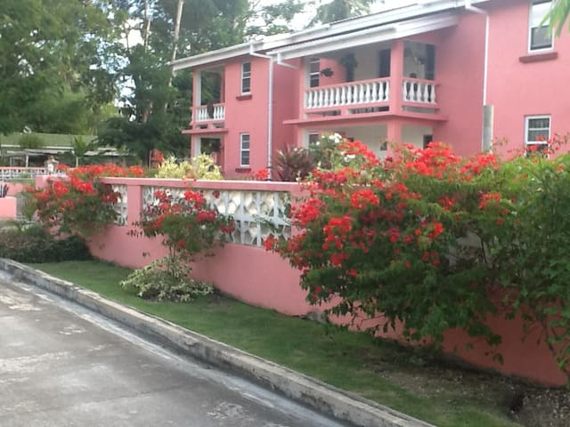 Cozy One Bedroom Vacation Apt 1 Apartments For Rent In Christ Church Barbados Christ Church
