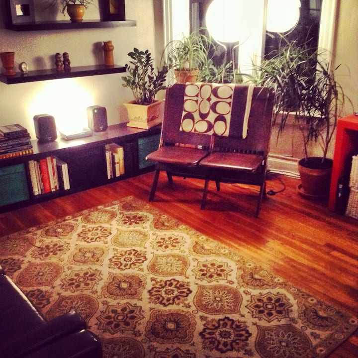 Private Room in LIC - close to Waterfront/subways