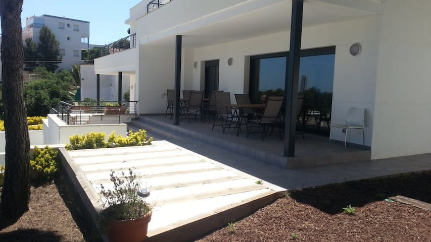 HOUSE FOR 8 PEOPLE WITH GARDEN, NEAR THE BEACH - Llançà - Casa