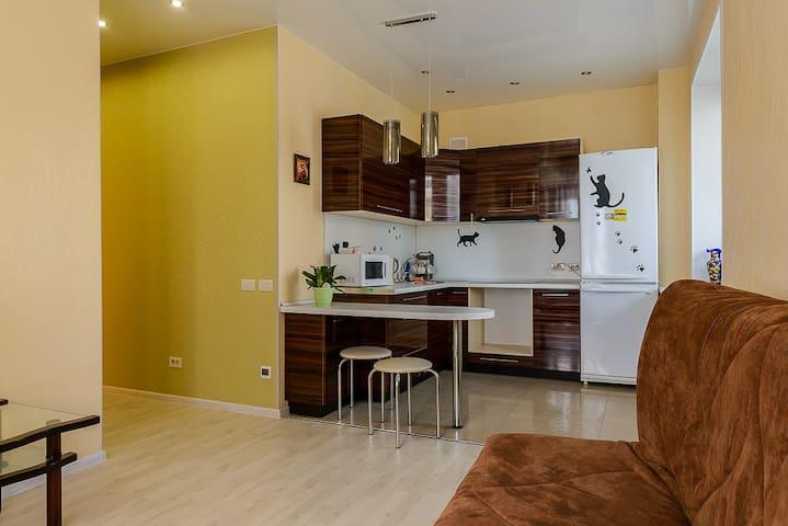 Сдам посуточно двухкомнатную кварти - Kirov - Apartment