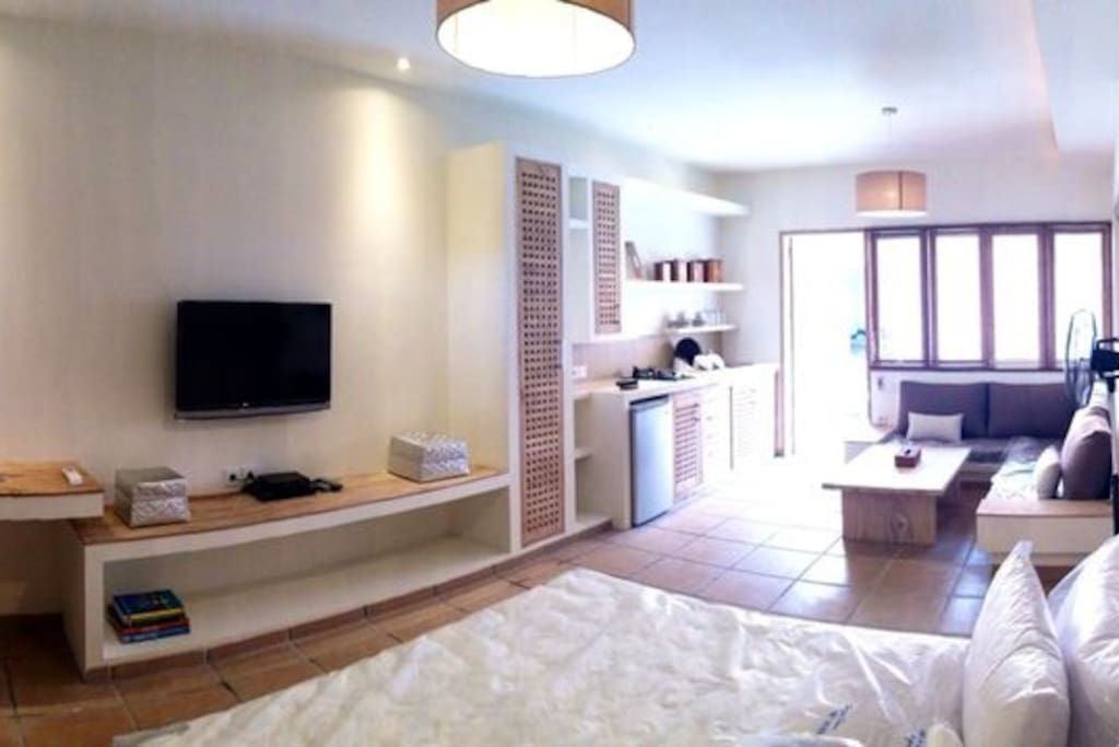 Fully furnished 50m2 studio apartment with private terrace & access to shared pool