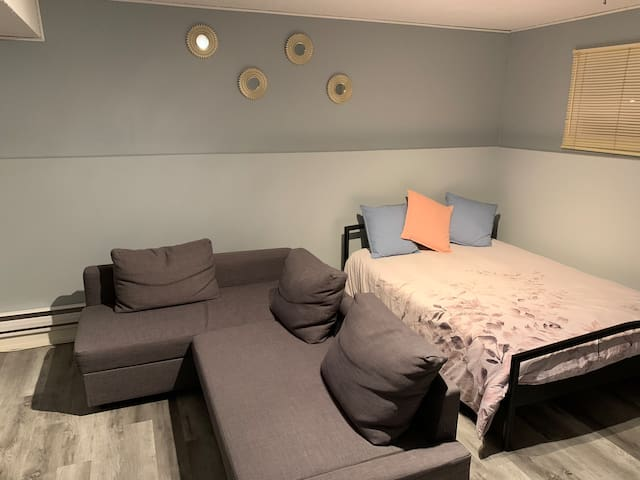 **Modern 250sq ft Master Bedroom**