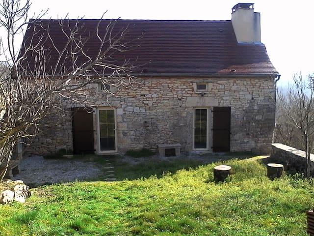 Location meublée d'une maison de campagne