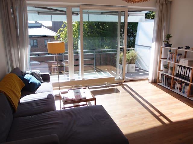 Bright & Spacious 1-Bedroom in Trendy Ottensen