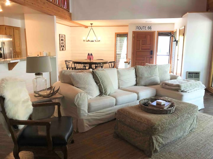 Little Pine Cabin - Family and Pet friendly!