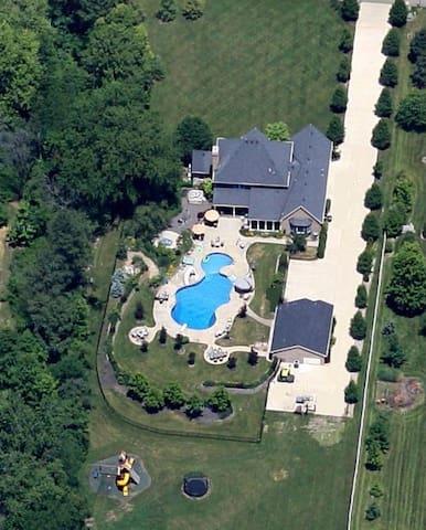 Evergreen Farm Resort - Liberty Township - Casa