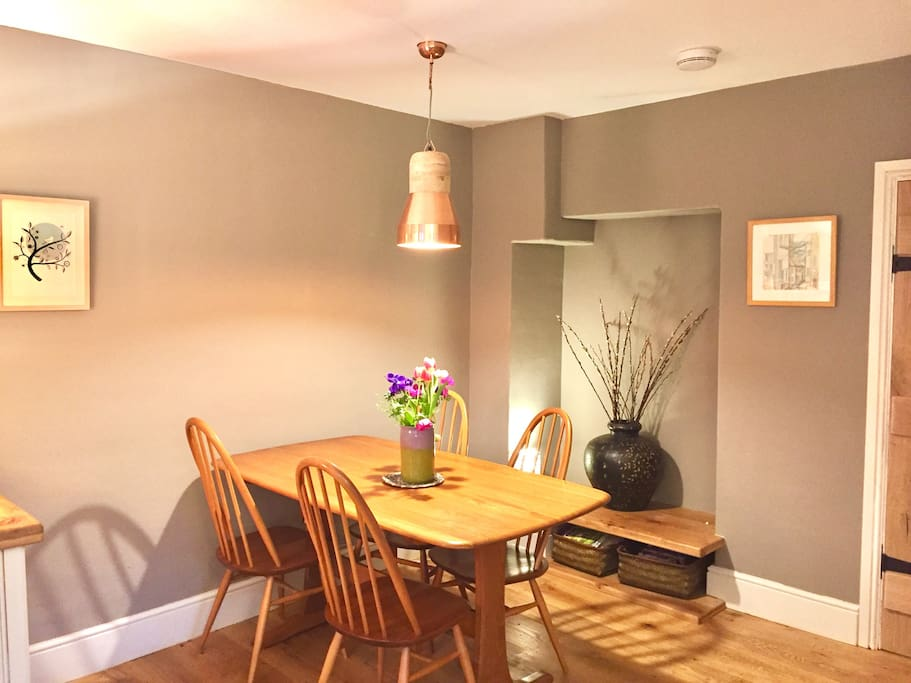 Dining area with bluetooth wireless. Wi-fi throughout property.