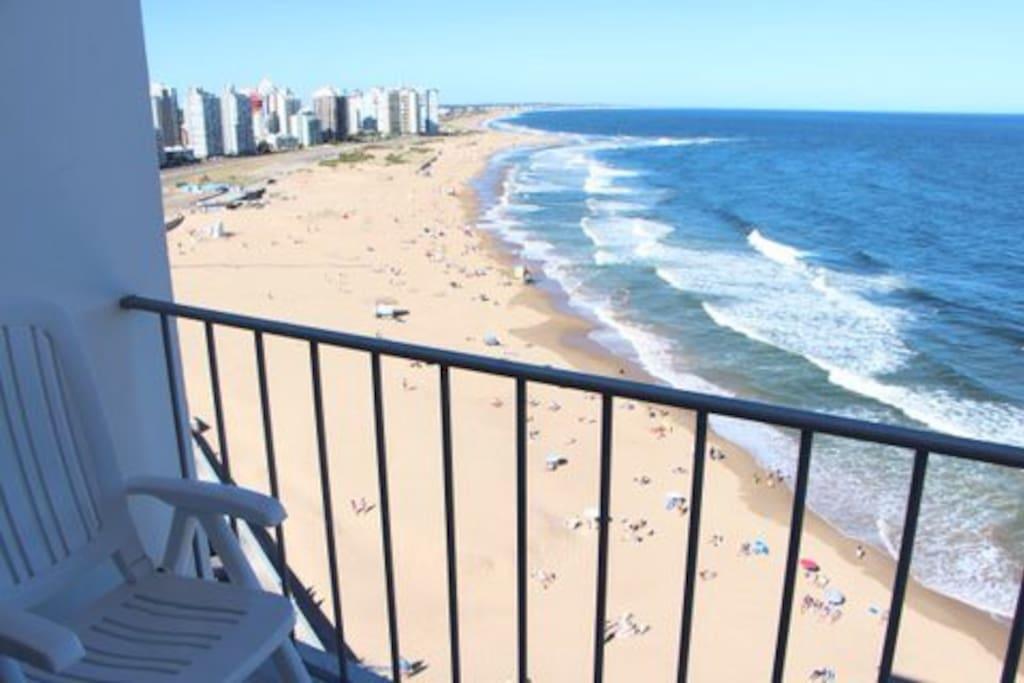 Fantastica vista desde el balcon del living y desde el dormitorio principal