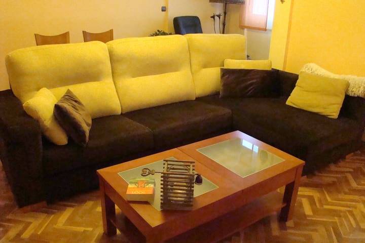 Beautiful apartment 10 minutes from center city - Valladolid - House