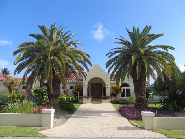 Lime Tree Villa. Entire Home and Private Pool.