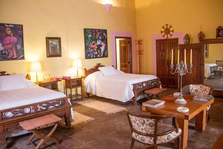 Elegante Habitación en Gran Hacienda las Gracias.