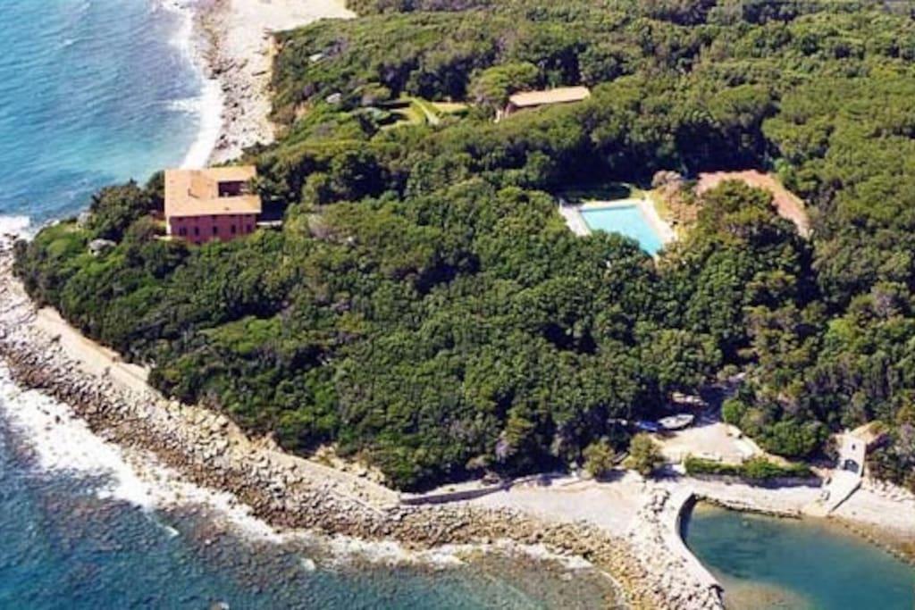 Vista aerea della proprietà il Fortullino con porto