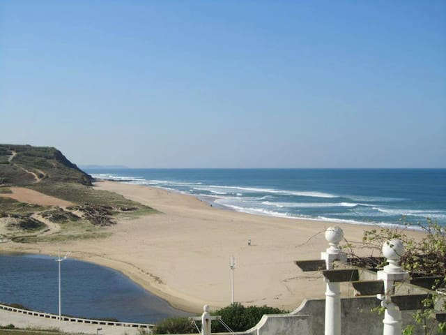 Areia Branca Beach Hostel - Orange Dorm Room - Lourinhã - Huis