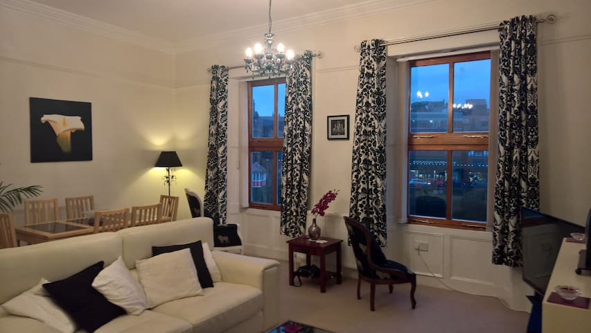Swingbridge View - 2 Bed in the Heart of Whitby