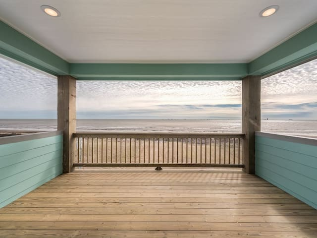 Breezy Point, Ocean View, Dog Friendly, Linens, Crystal Beach, Bolivar, Texas