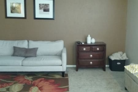 GREAT, easy located in Wash Park! - Apartment