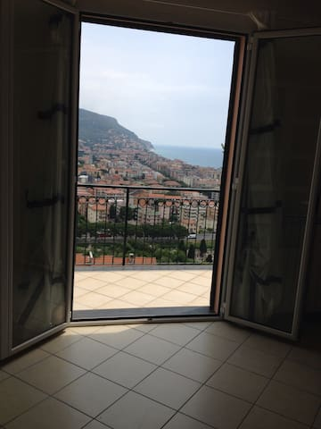 Double room with sea view, garden - Pietra Ligure - Ev
