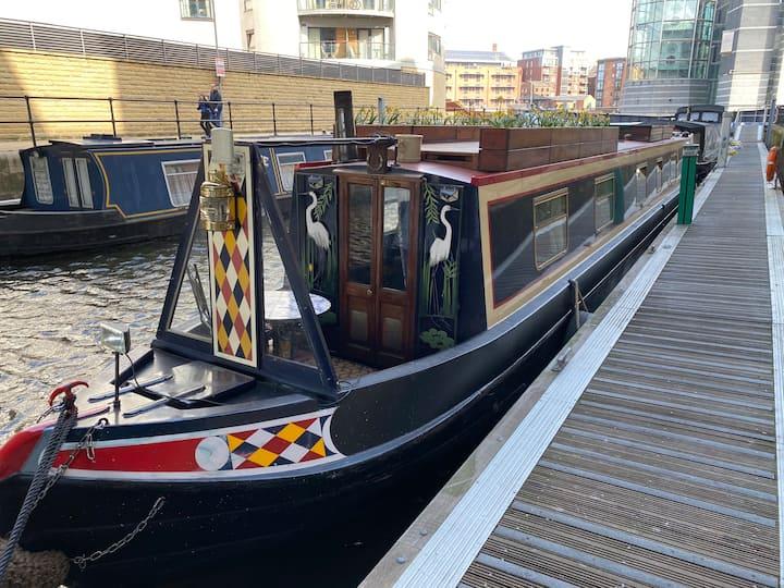 Beautiful Narrowboat Benedict, Clarence Dock Leeds