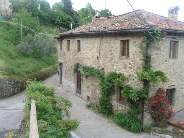 Beautiful Farmhouse in Mountains - Bagni di Lucca - House