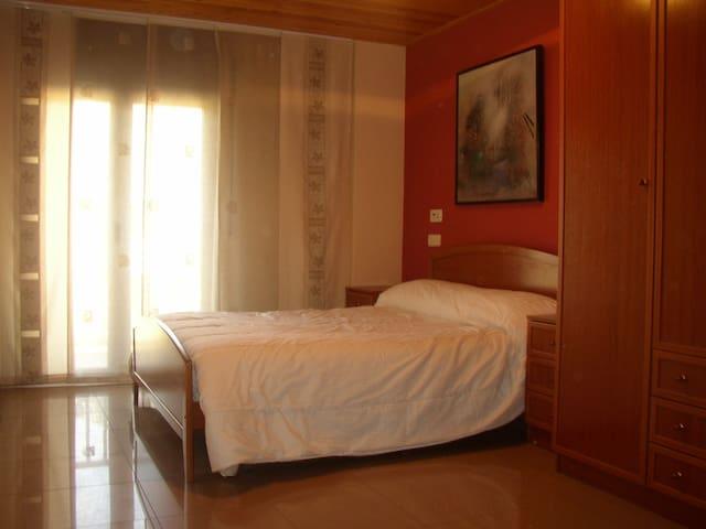 Amplio apartamento en el Pirineo Catalán - El Pont de Suert - Daire