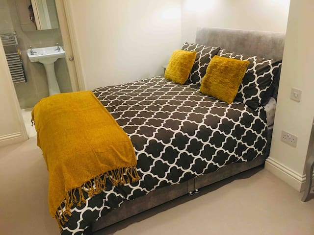Amazing Double room central London with breakfast