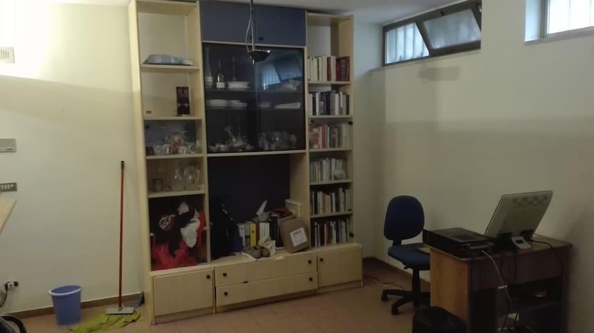 Appartamento semindipendente - Valenzano - Lakás