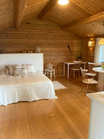 Two beds in timbercottage