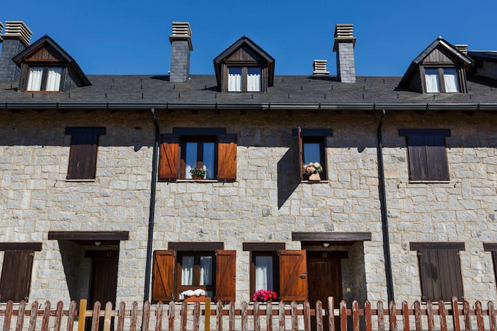 Charming Pyrenees House - ski&hike - Benasque - House